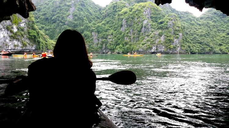 베트남 세계유산 하롱베이 크루즈투어&카약체험